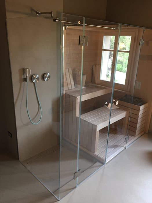 BOX DOCCIA SU MISURA: Bagno in stile in stile Moderno di SILVERPLAT