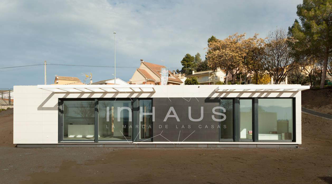 Modelo Algeciras en Barcelona: Casas prefabricadas de estilo  de Casas inHAUS,