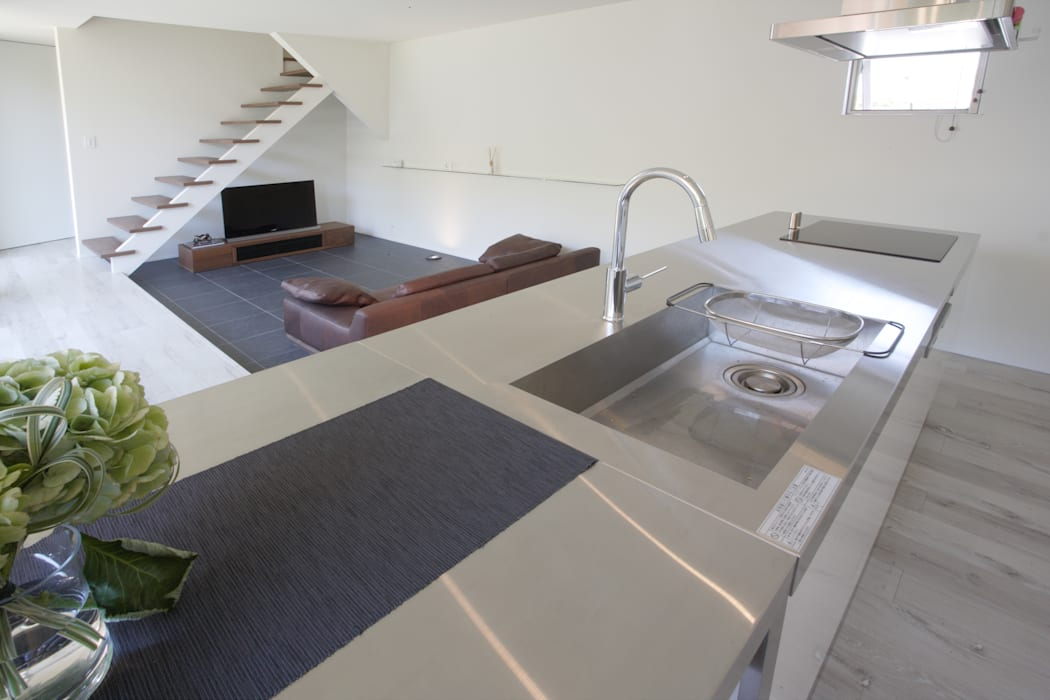 Location House モダンな キッチン の 一級建築士事務所 株式会社KADeL モダン
