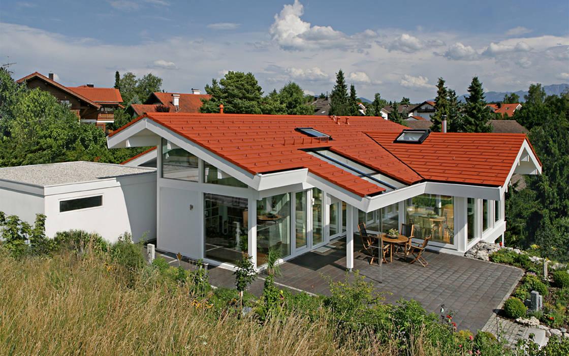Architektenvilla in Osterseen Moderne Häuser von DAVINCI HAUS GmbH & Co. KG Modern