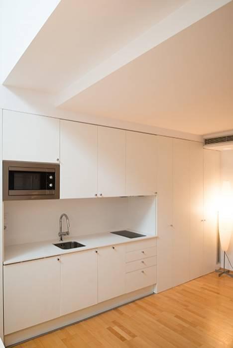 Built-in kitchens by ETNA STUDIO ,