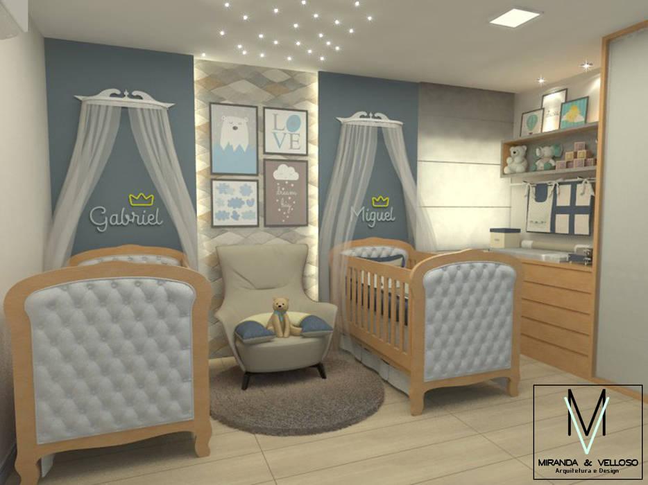 Dormitorios de bebé de estilo  por Miranda & Velloso Arquitetura e Design, Moderno Madera Acabado en madera
