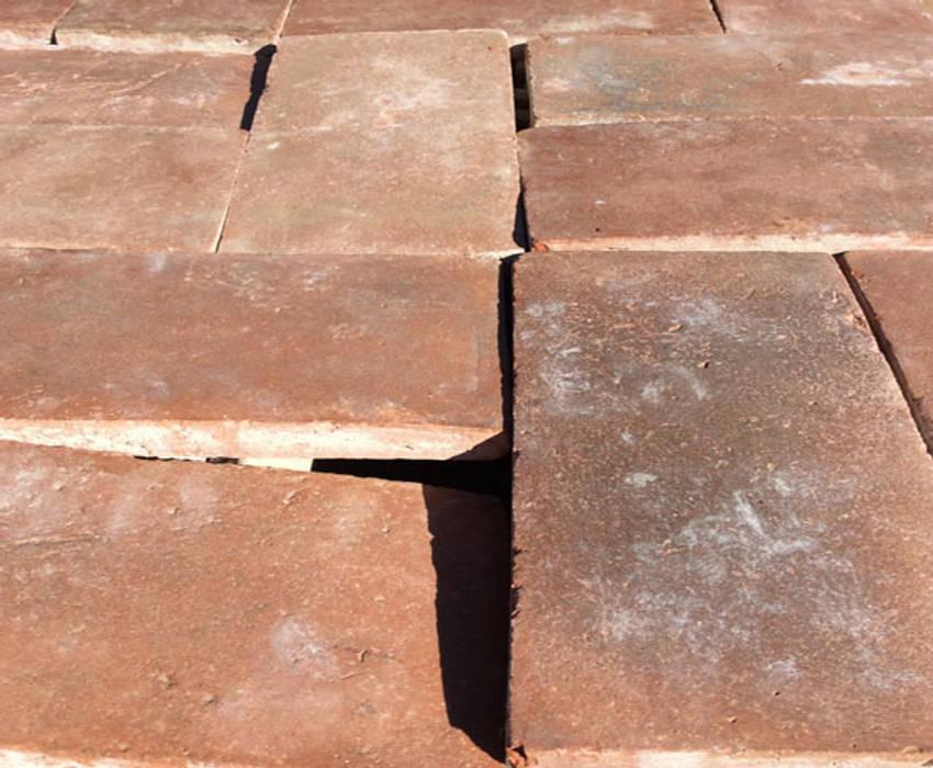 Losas de barro para suelos. Anticuable.com Balcones y terrazas de estilo mediterráneo Ladrillos Rojo