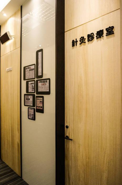 Murs de style  par 沐築空間設計,