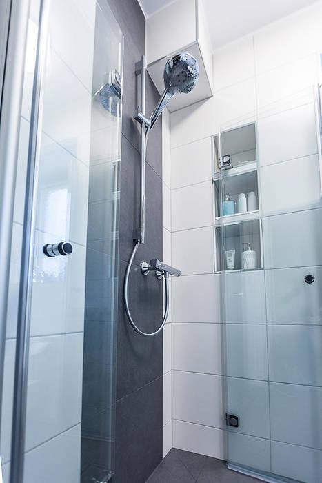 Bodengleiche dusche mit faltbarer duschabtrennung: moderne ...