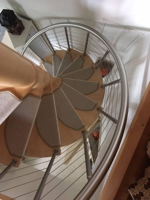 Kleine Stufenmatten Auf Einer Wendeltreppe Von Kettelbetrieb