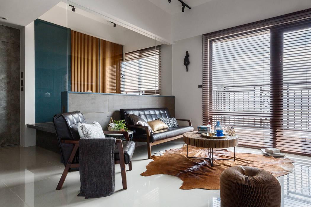 Living room by DYD INTERIOR大漾帝國際室內裝修有限公司