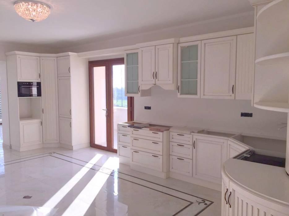 Cucine in legno classiche bianche: cucina in stile di falegnameria ...