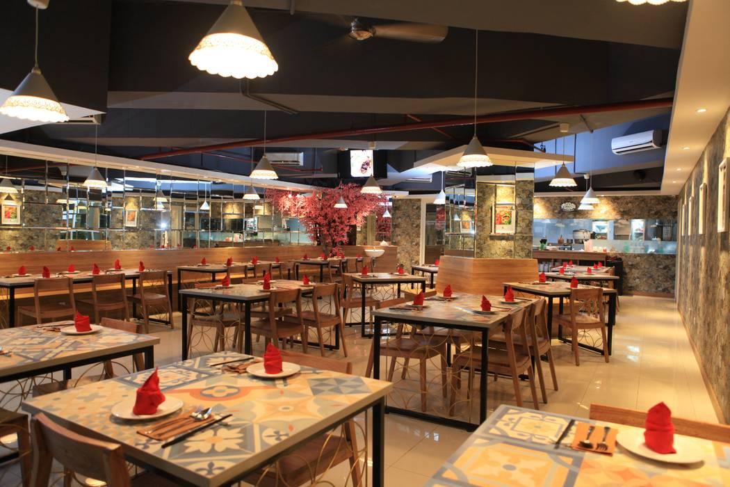UNIQUE CONTEMPORARY DINING @ SEASON CITY APARTMENT, WEST JAKARTA Gastronomi Modern Oleh PT. Dekorasi Hunian Indonesia (DHI) Modern