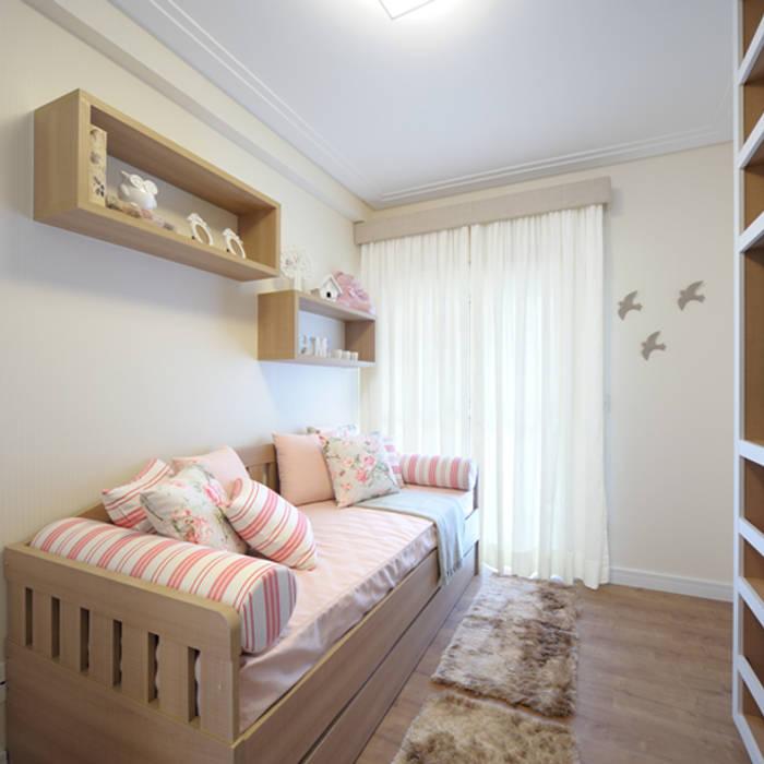 Aline Dinis Arquitetura de Interiores Camera ragazze Legno Effetto legno