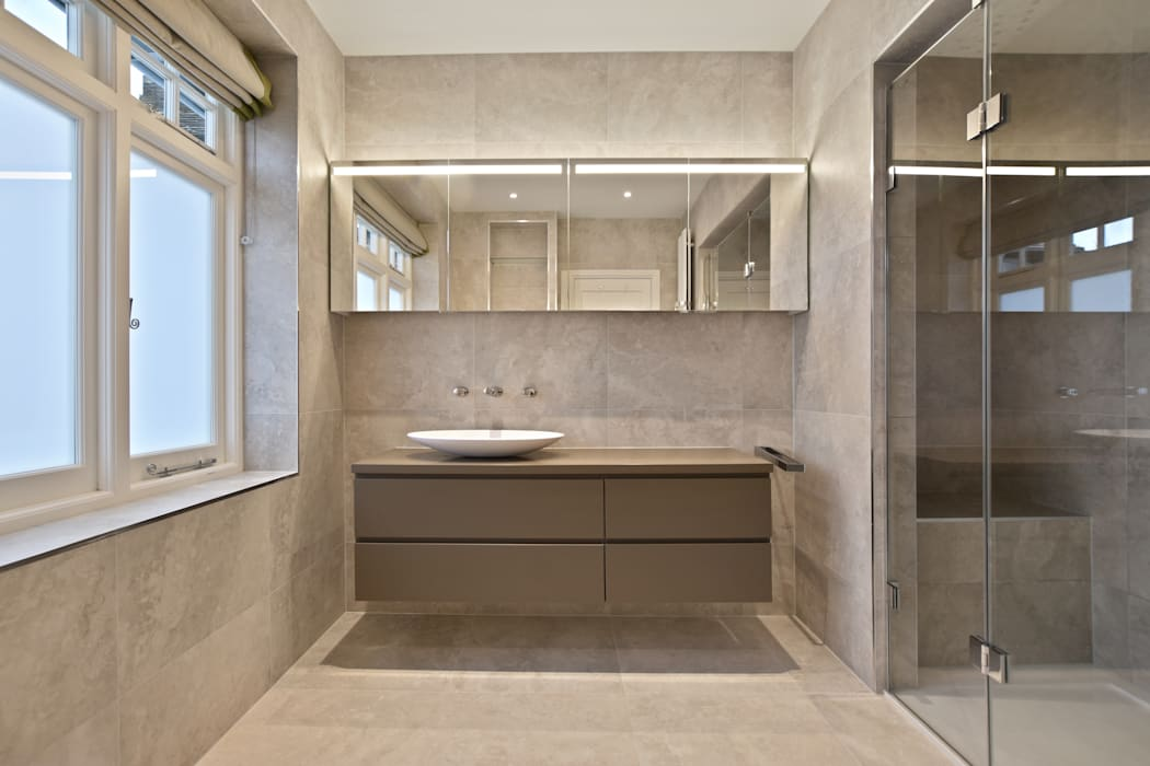 Case Study: Surrey:  Bathroom by BathroomsByDesign Retail Ltd