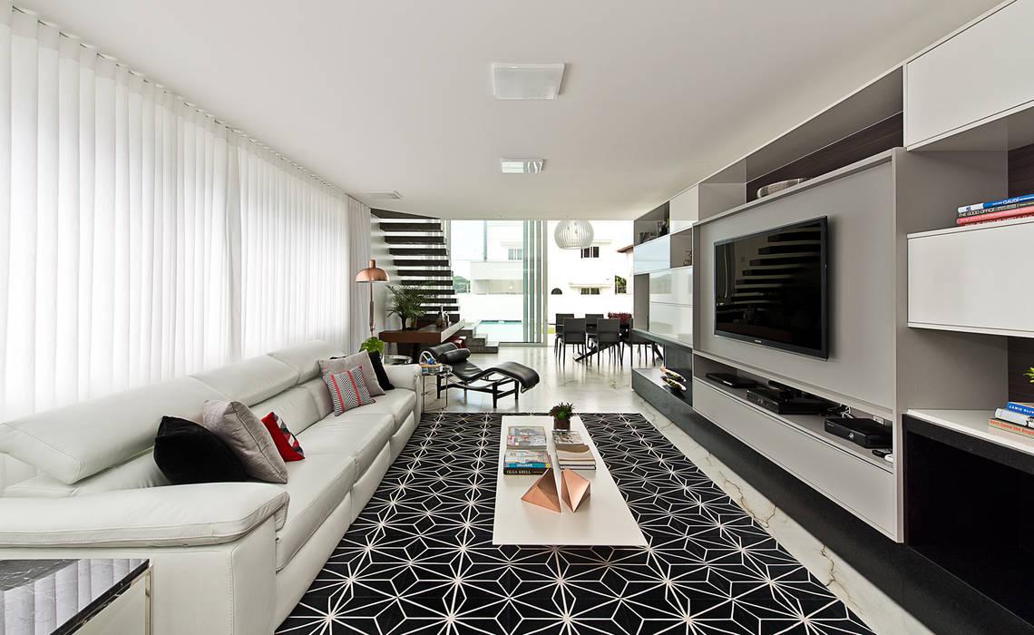 Living Salas de estar minimalistas por Espaço do Traço arquitetura Minimalista