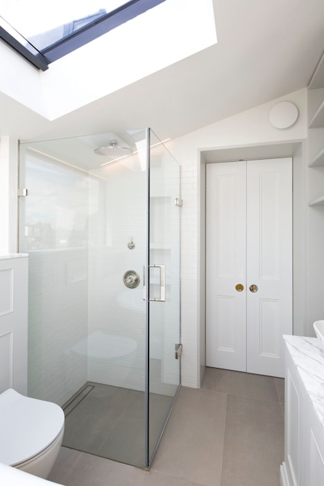 View Of Shower:  Bathroom by A2studio,
