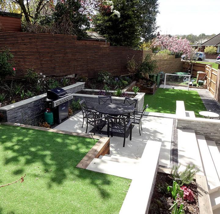 Tiered Contemporary Urban Garden: Modern Tiered Garden: Garden By Ashley Thompson Garden