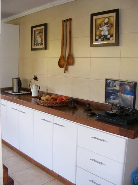 cocina: Cocinas de estilo colonial por Casabella