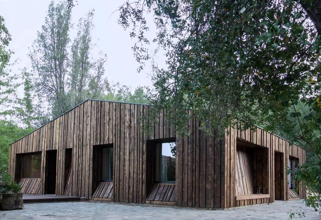 根據 Crescente Böhme Arquitectos 現代風 木頭 Wood effect