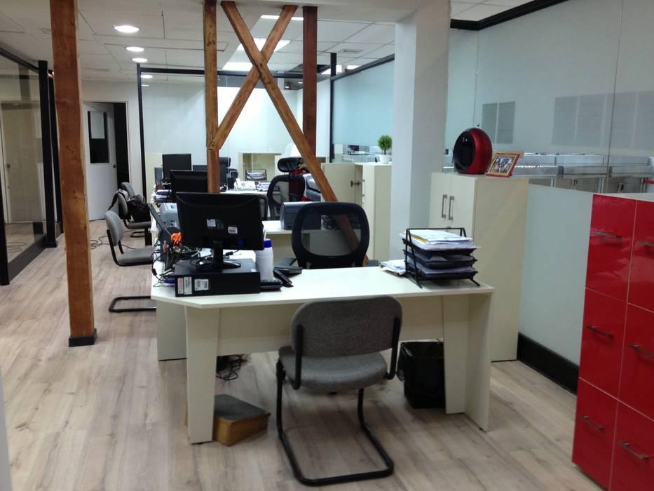oficina comercial Chilquinta Quilpué: Oficinas y Comercios de estilo  por IDEAfactory