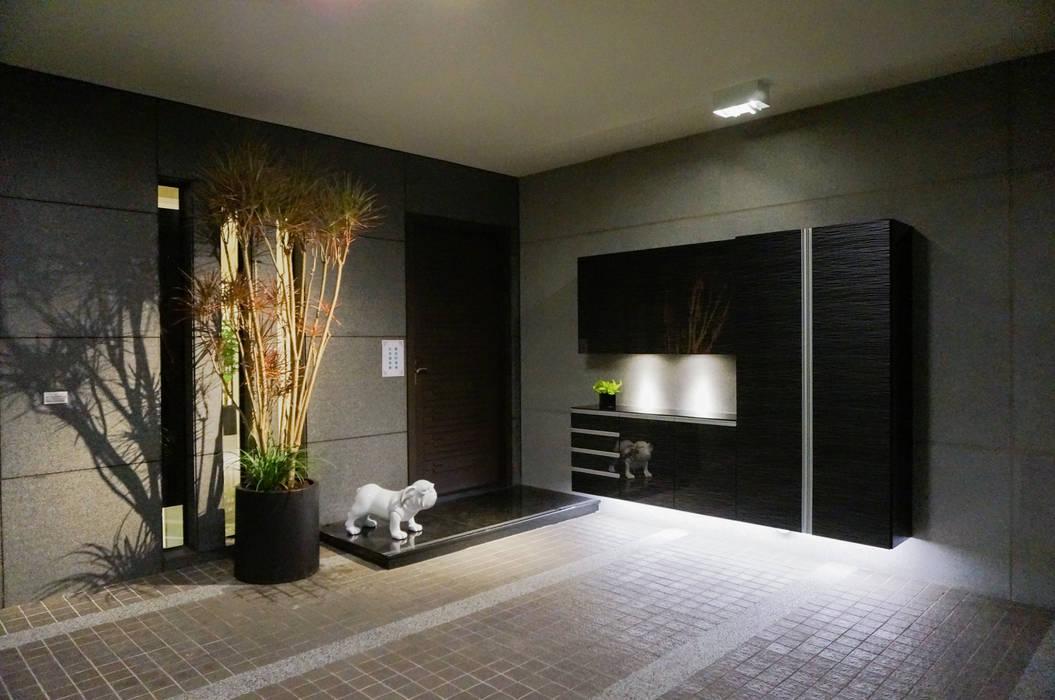 住宅設計 / 李小姐:  車庫/遮陽棚 by 沐築空間設計, 隨意取材風