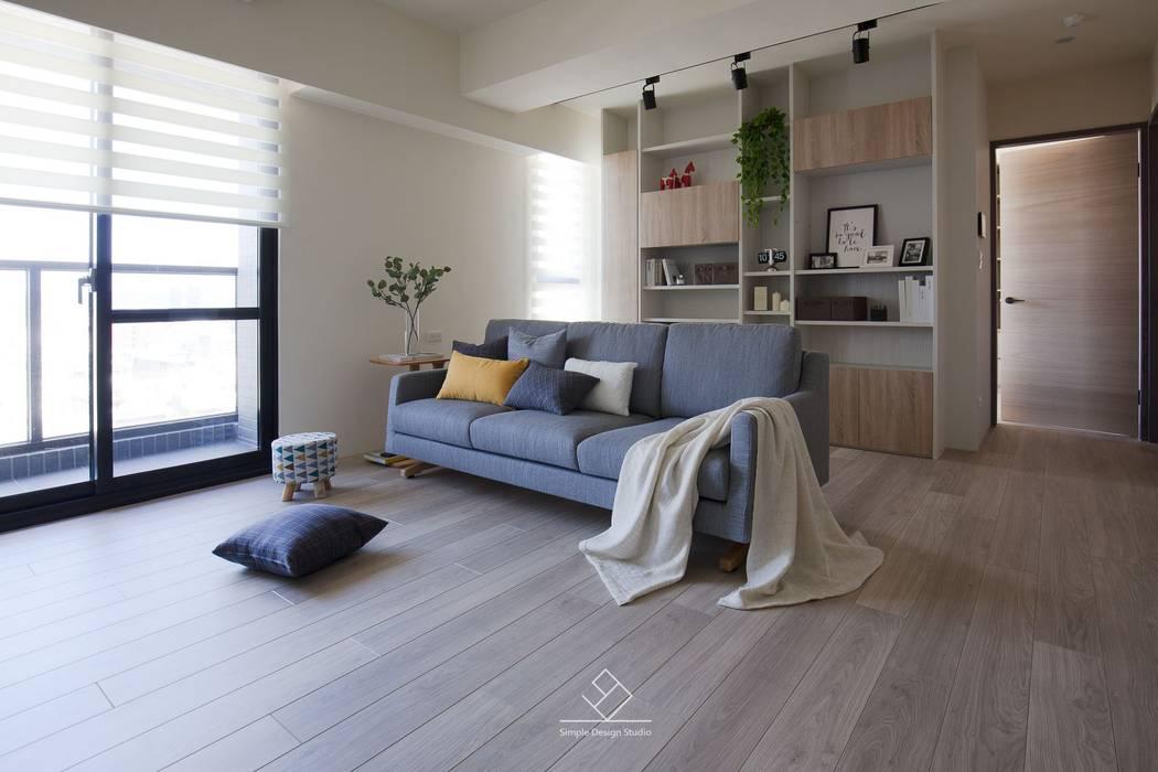 書櫃及展示櫃:  客廳 by 極簡室內設計 Simple Design Studio