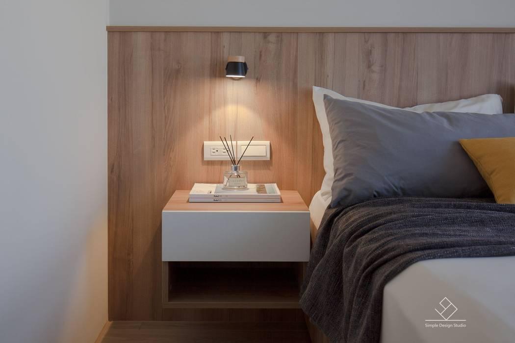床頭壁燈:  臥室 by 極簡室內設計 Simple Design Studio