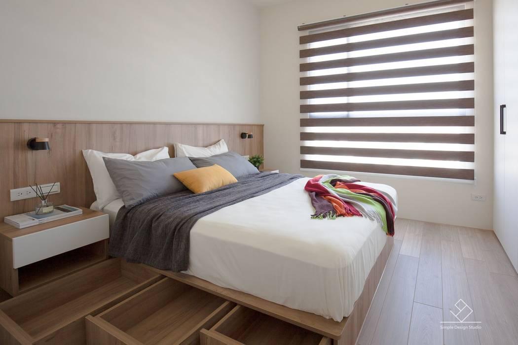 主臥收納:  臥室 by 極簡室內設計 Simple Design Studio