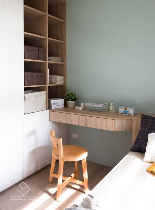 客臥規劃:  臥室 by 極簡室內設計 Simple Design Studio