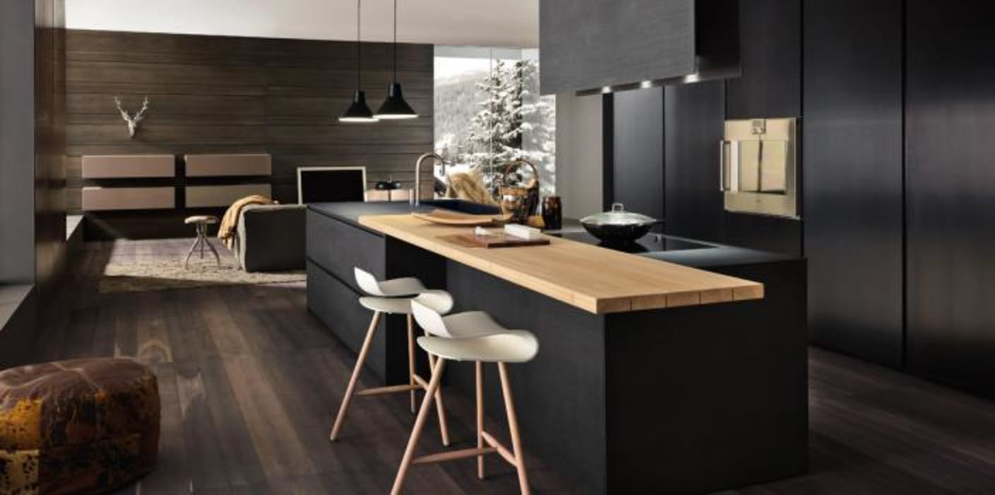 Felipe Lara & Cía Modern kitchen Wood Black