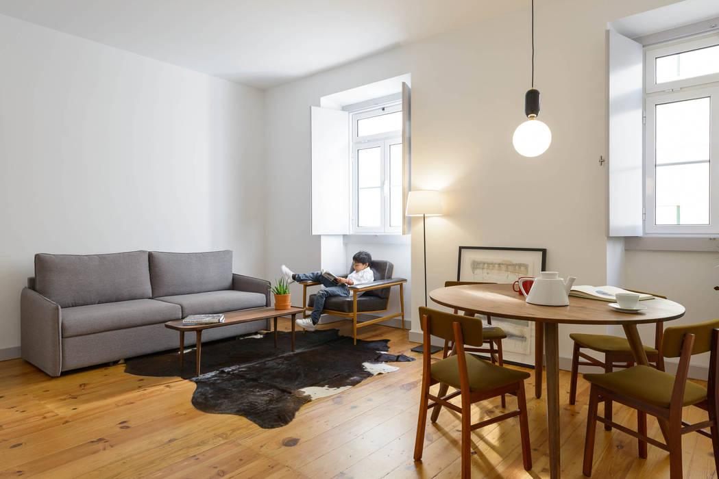 Phòng khách phong cách Địa Trung Hải bởi arriba architects Địa Trung Hải