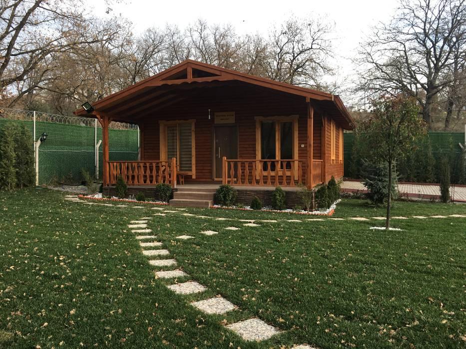 KAYALAR AHŞAP KERESTE ÜRÜNLERİ – Ahşap bungalov kütük ev:  tarz Çatı, Akdeniz Ahşap Ahşap rengi
