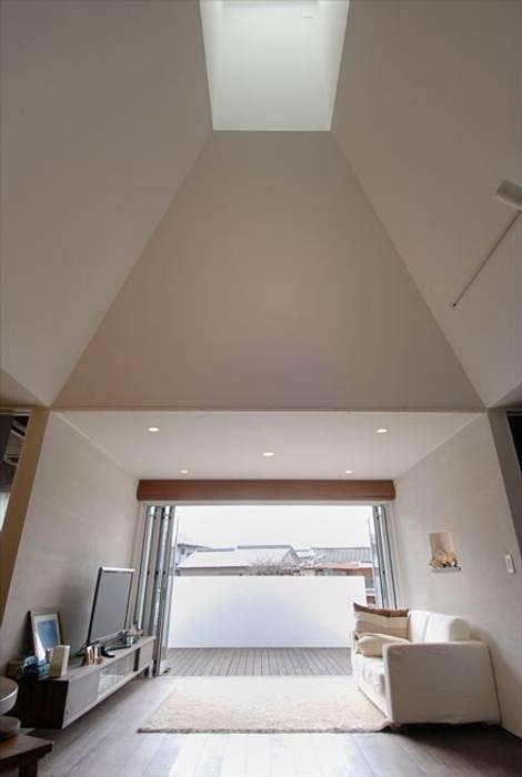chimney モダンデザインの リビング の nest モダン