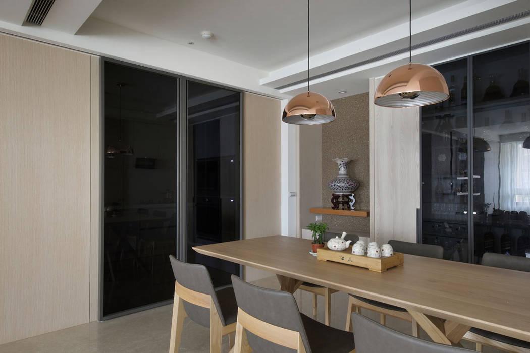<大樓-3+1房2廳>度假感住宅 貼心三代機能需求:  酒窖 by 品茉空間設計/夏川設計,