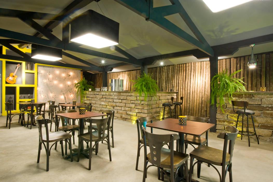 Restaurante JCWK arquitetura (jancowski arquitetura) Espaços gastronômicos rústicos