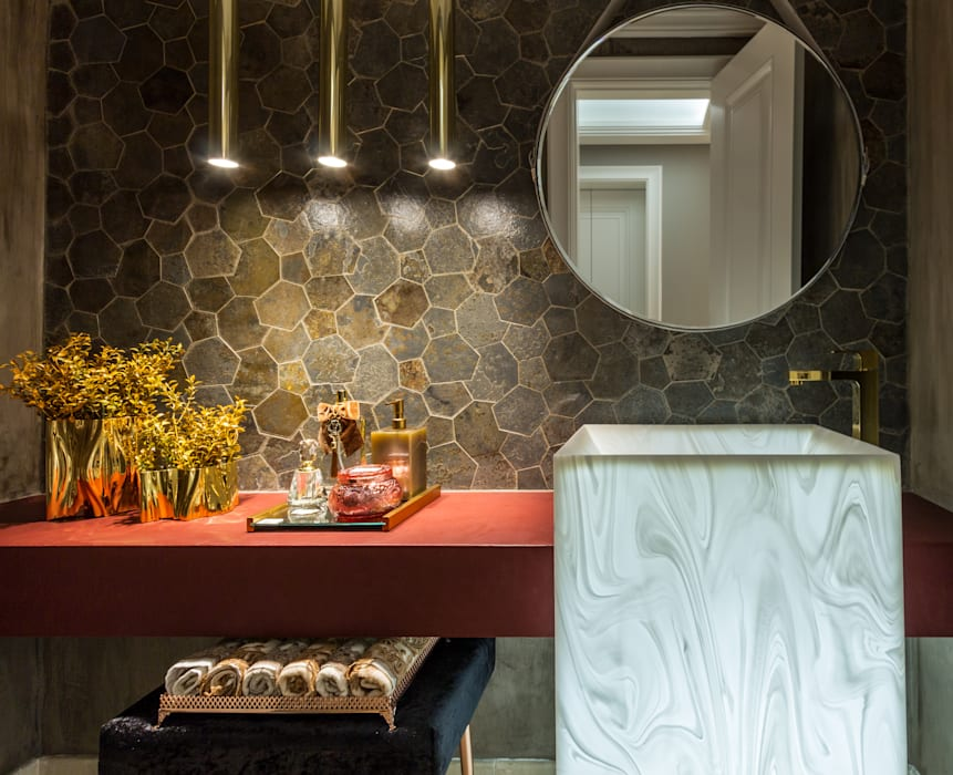 Modern Bathroom by Flávia Kloss Arquitetura de Interiores Modern Copper/Bronze/Brass