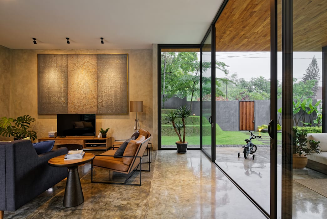 Salones de estilo  de Tamara Wibowo Architects