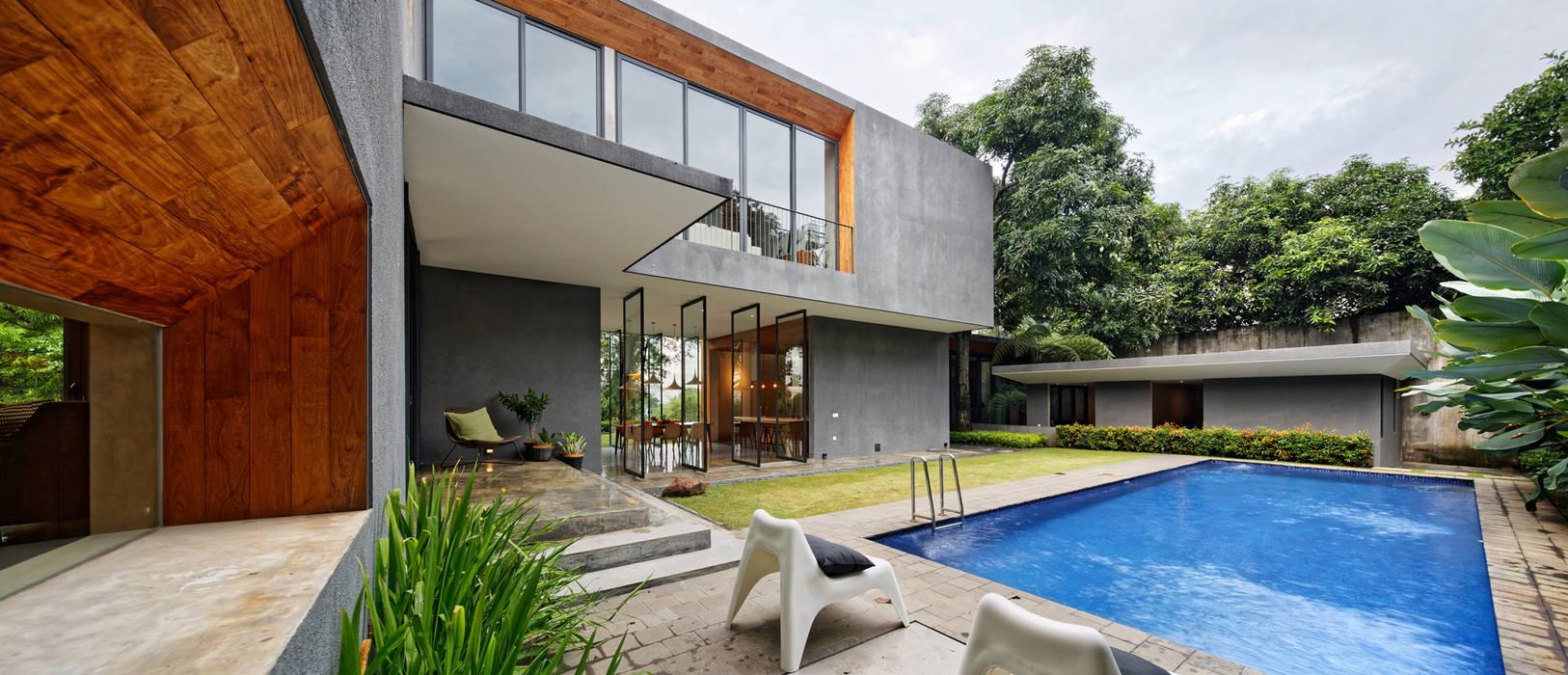 Casas de estilo  de Tamara Wibowo Architects