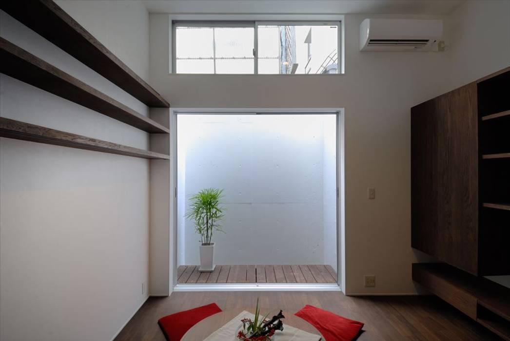 祇園の家 和風デザインの リビング の nest 和風