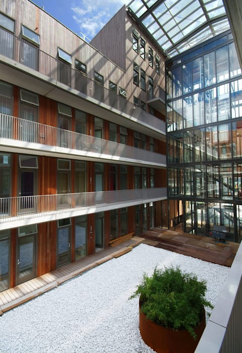 IJside Moderne tuinen van TEKTON architekten Modern