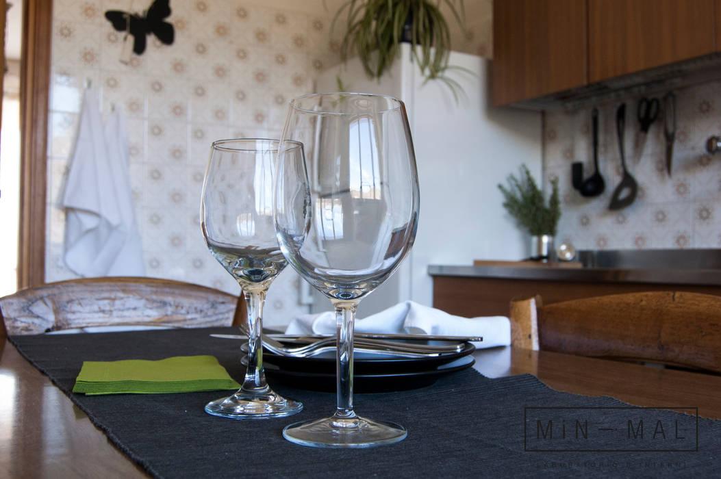 CUCINA: Cucina in stile in stile Classico di MINIMAL di Casini Roberta