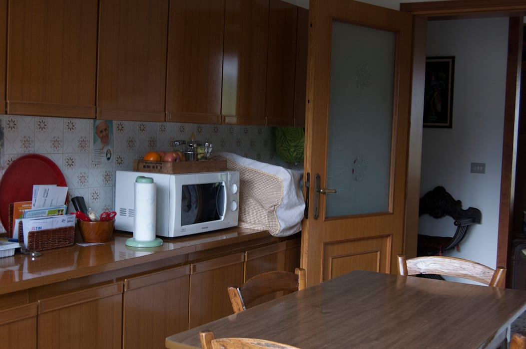 CUCINA PRIMA: Cucina in stile in stile Classico di MINIMAL di Casini Roberta