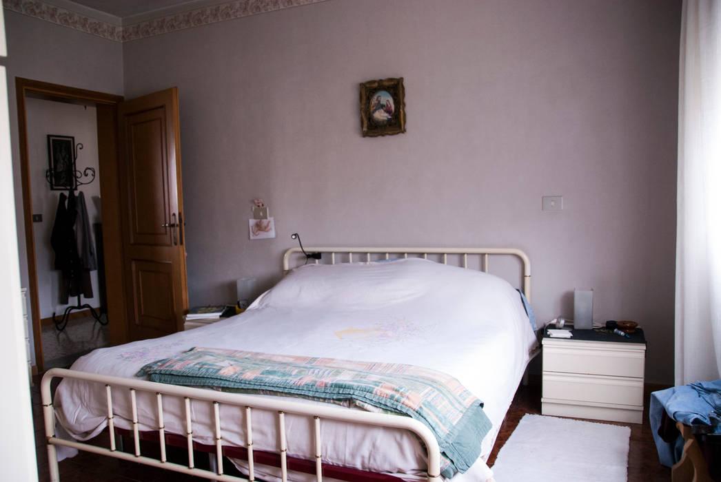 CAMERA PRIMA: Camera da letto in stile in stile Classico di MINIMAL di Casini Roberta