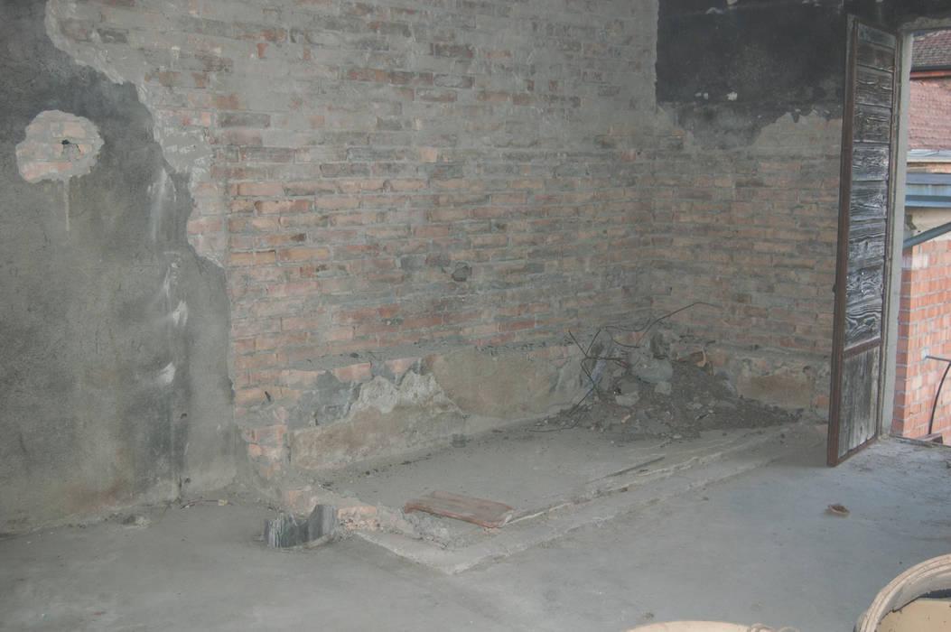 MAGAZZINO PRIMA: Studio in stile  di MINIMAL di Casini Roberta