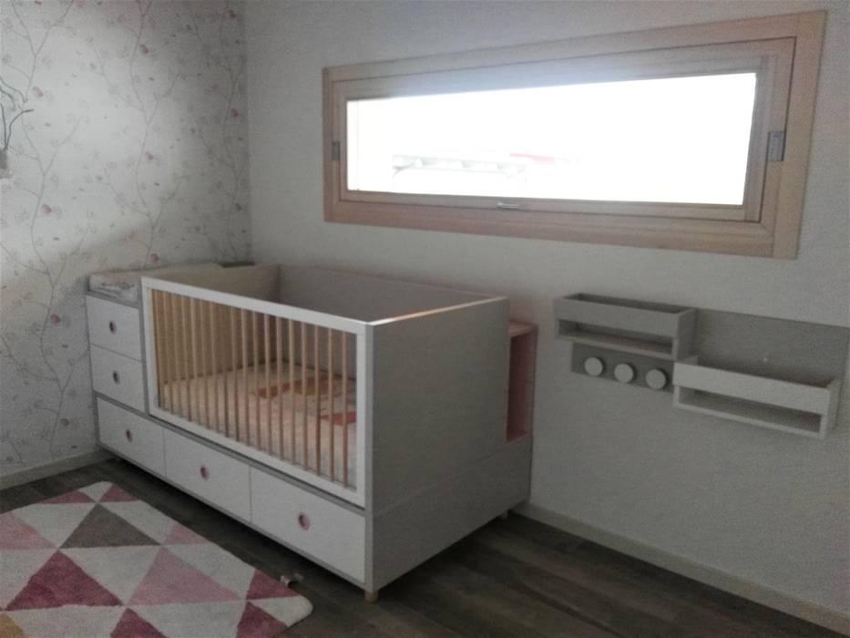 Il lettino trasformabile  GROW: Cameretta neonato in stile  di Spaziojunior