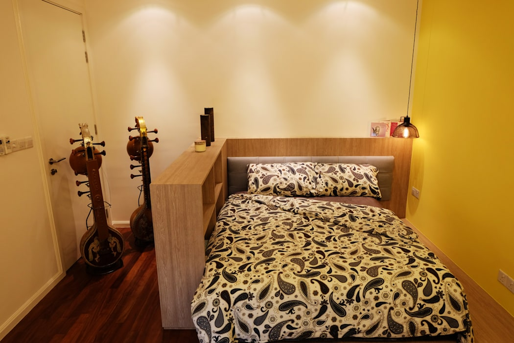 Contemporary Tropical , 3-Storey semi-D Tropical style bedroom by inDfinity Design (M) SDN BHD Tropical