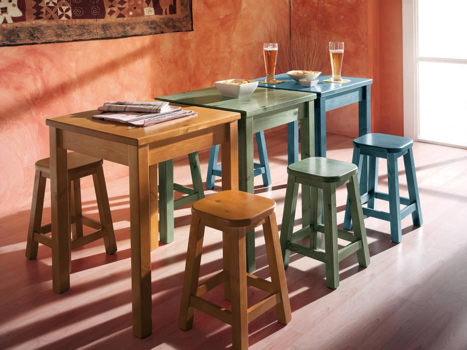 Tavoli con sgabelli in legno di pino negozi locali commerciali