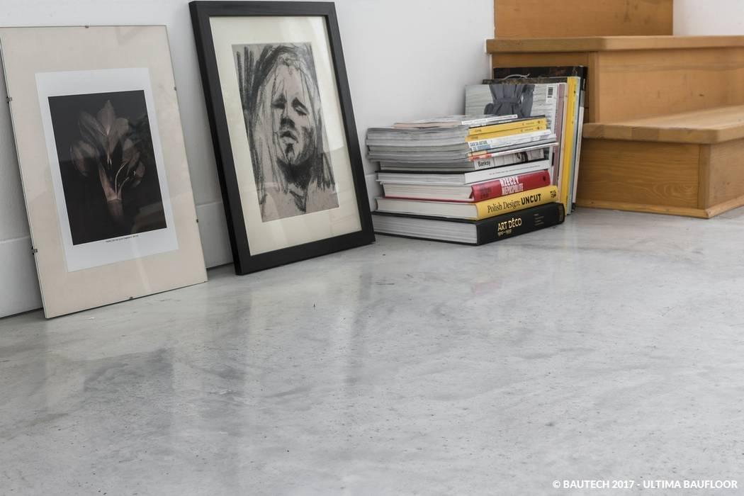 Simple House Bautech Sp. Z O.O. Podłogi Beton Szary