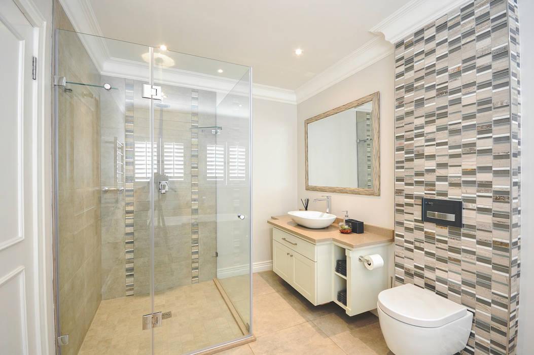 PORTFOLIO 2018:  Bathroom by CLINT LEWIS DESIGNS