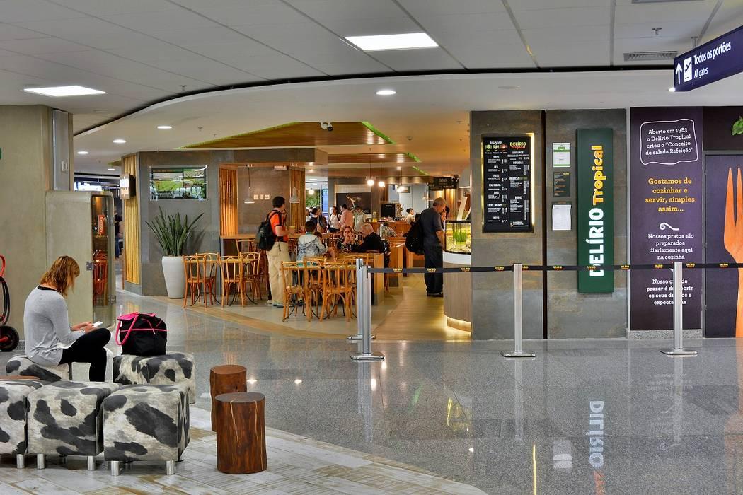 Restaurante Delírio Tropical Espaços de restauração tropicais por BCA Arquitetura Tropical