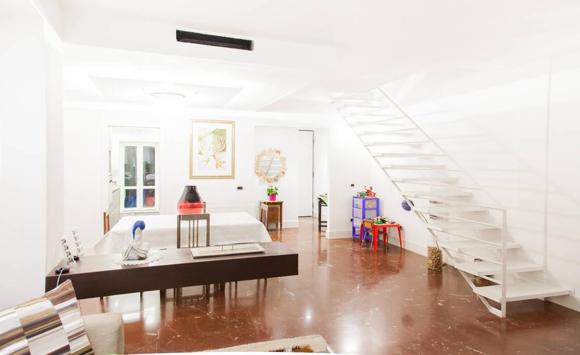 Salon moderne par Arch. Della Santa Giorgio Moderne