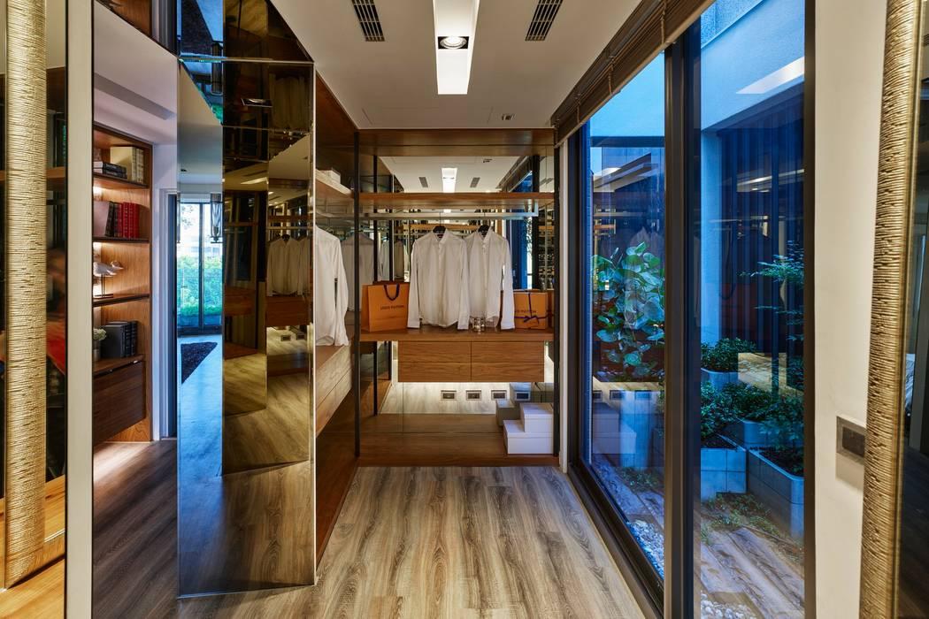 Ruang Ganti Modern Oleh 澤序空間設計有限公司 Modern