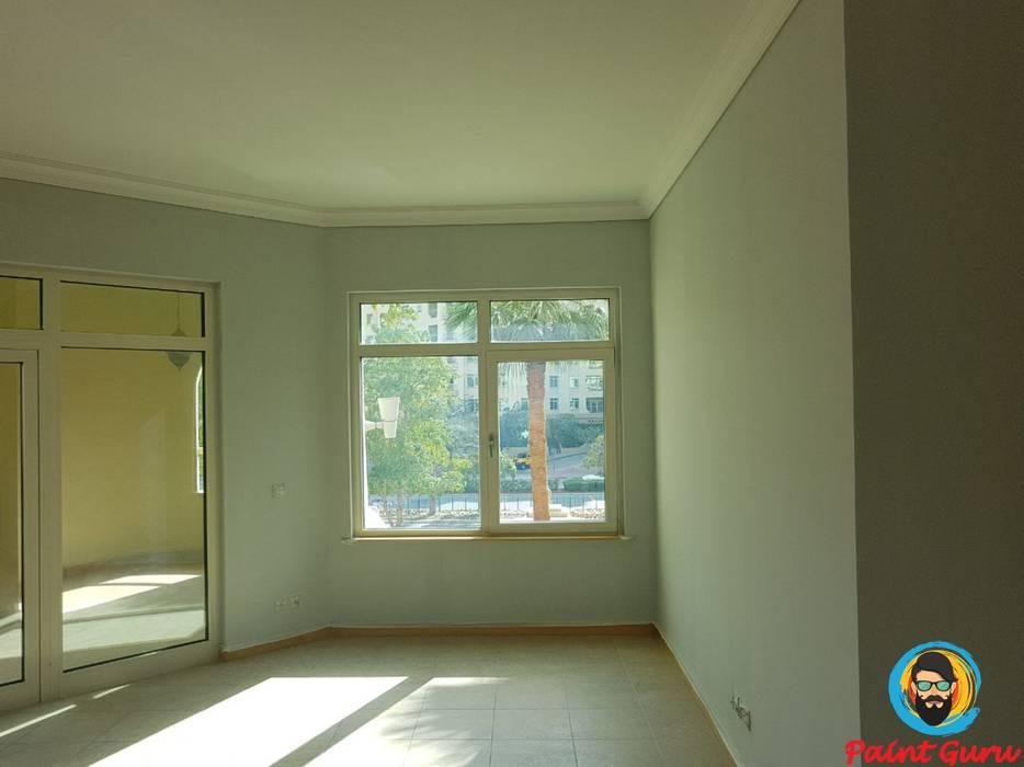 bedroom painting Modern style bedroom by PaintGuru.ae Modern